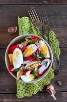 salada de tomates e ovos foto