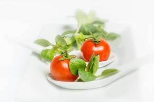 salada de milho e tomate cereja foto