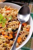 prato de sopa minestrone foto