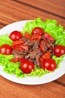 cogumelos e carne assada