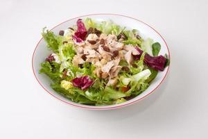 salada de frango com tomate e passas