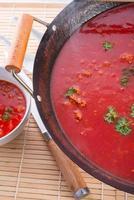 sopa de tomate cantão - foco seletivo