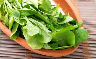 salada de rúcula e rúcula foto