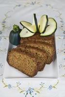 bolo vegetariano feito com legumes foto