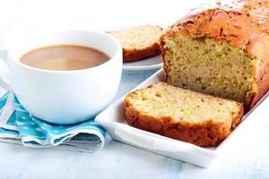 pão de courgette foto
