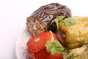 berinjela recheada pimenta tomate repolho deixa carne moída com arroz