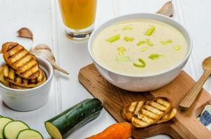 sopa de legumes cremosa foto