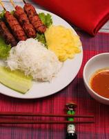 salada de carne estilo vietnã foto