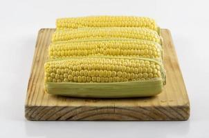 milho na placa de preparação foto