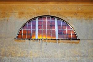 parede de afresco com janela foto