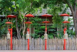 sinos budistas em chiang mai, tailândia