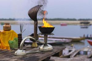 ganga aarti, dev deepawali, varanasi, índia foto