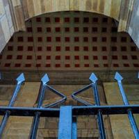 arco de entrada na biblioteca pública foto