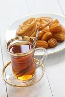 chá e doces iranianos foto