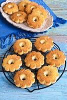 biscoitos de manteiga em forma de uma flor foto