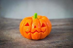 sabão esculpido de abóbora halloween foto