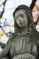 estátua de mulheres foto