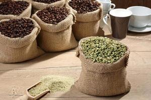 grãos de café verde foto