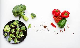 brócolis com pimentão. foto