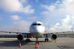 avião-aeroporto foto