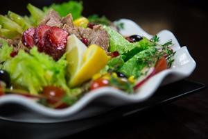 salada de atum foto