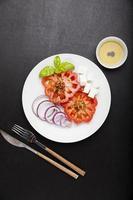 salada grega de legumes frescos foto