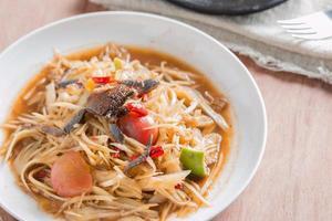 salada de papaia tailandesa foto