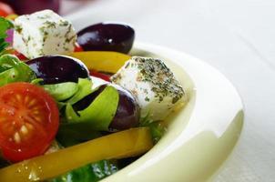 salada grega caseira foto