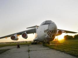 avião russo abandonado
