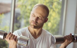 exercício de levantamento de peso