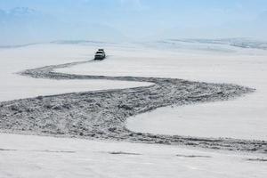 inverno, estrada sinuosa neve paisagem