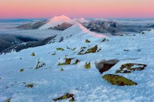 montanhas de inverno foto