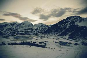 montanha do inverno foto