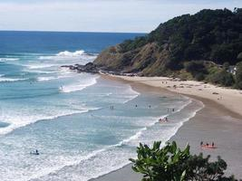praia byron bay foto