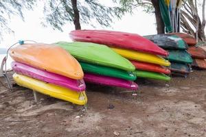caiaques coloridos