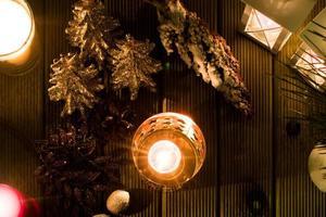 lanternas em miniatura decoração de inverno foto