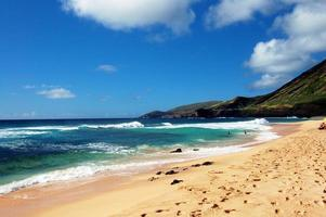 praia de areia honolulu havaí foto