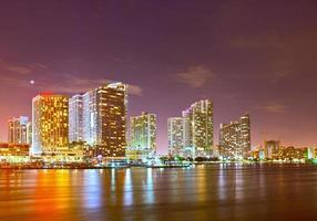cidade de miami florida, skyline da noite foto