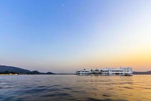 palácio do lago, udaipur rajasthan foto