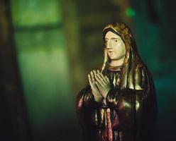 talha de madeira de antigua guatemala virgem foto