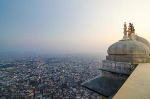 forte de nahargarh e vista para a cidade de jaipur foto