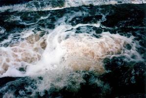 rio em santuário do caraça, minas gerais, brasil. foto