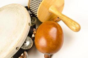 pequenos instrumentos de percussão