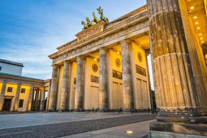 Berlim no portão de Brandemburgo foto