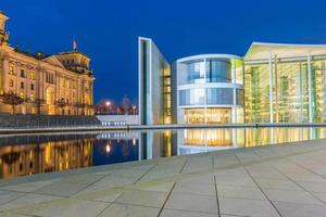 Reichstag de Berlim e paul-löbe haus foto
