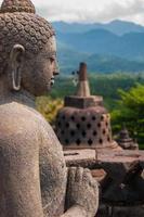 Buda em borobudur foto
