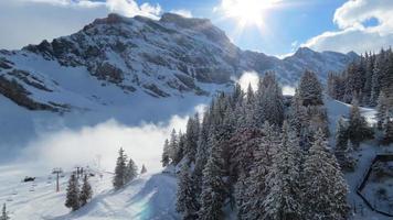 estância de esqui suíço foto