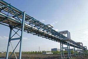 instalações de encanamento industrial da fábrica foto