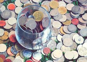 pote de poupança de dinheiro, estilo vintage foto