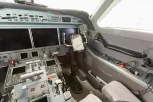 visão interna do cockpit g550